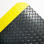 crown-deck-plate-anti-fatigue-mat-vinyl-24-x-36-black-yellow-cwncd0023yb