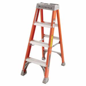 Louisville FS1500 Series Fiberglass Step Ladder, 4ft (LOUFS1504)