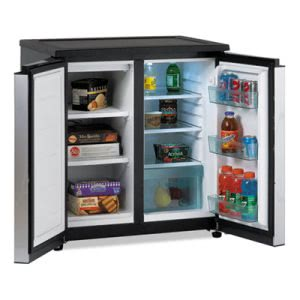 Avanti 5.5 CF Refrigerator/Freezer, Black/Stainless Steel (AVARMS550PS)